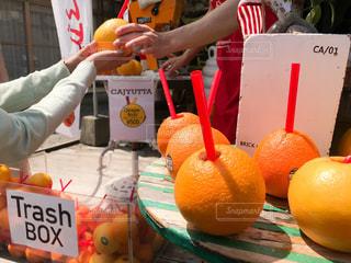 オレンジジュース グレープフルーツジュースの写真・画像素材[2327486]