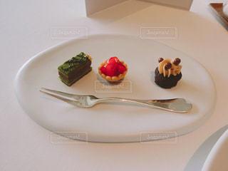 パレスホテル東京のフレンチレストラン「クラウン」のランチコース。の写真・画像素材[2128358]