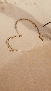 浜辺のネックレスの写真・画像素材[2133352]