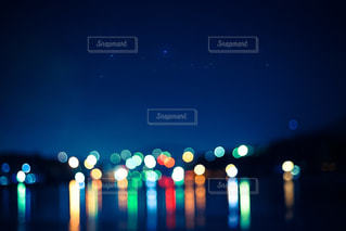 夜空と玉ボケの写真・画像素材[186900]