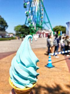ブルーの珍しいソフトクリームの写真・画像素材[2133001]