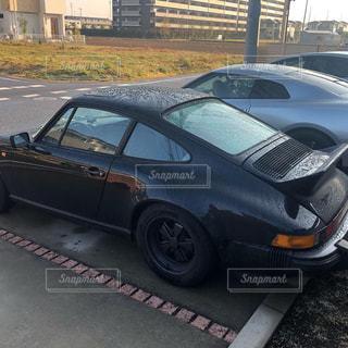 駐車場に駐車した車の写真・画像素材[2133003]