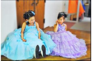 ドレス女の子の写真・画像素材[2136906]