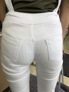 お尻の後ろ姿の女性の写真・画像素材[2139173]