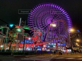 夜のライトアップ・シティの写真・画像素材[2139196]