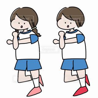 準備体操をする子どもたちの写真・画像素材[2249310]