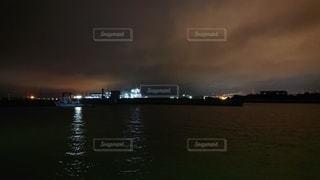 <夜景>工場コンビナートの写真・画像素材[2290908]