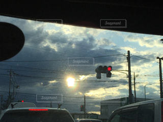 赤信号と渋滞の写真・画像素材[2146976]