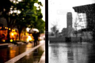 雨と晴れの写真・画像素材[2147124]
