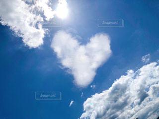 ハート雲の写真・画像素材[2588602]