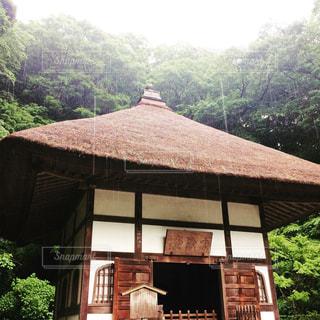 雨の日の鎌倉にての写真・画像素材[2150572]