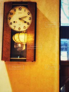壁掛け振り子時計の写真・画像素材[2186494]
