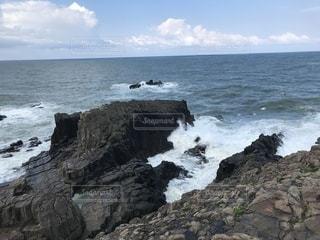 荒れる海の写真・画像素材[2213193]