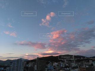 都市の夕日の写真・画像素材[2462867]