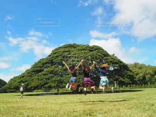 友達とハワイの写真・画像素材[233819]