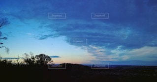 山の上から夕暮れの写真・画像素材[2166820]