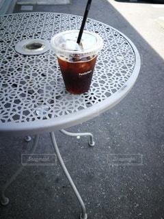 テーブルの上のコーヒー1杯の写真・画像素材[2183661]
