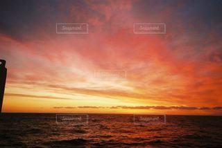 金色の空の写真・画像素材[2215865]