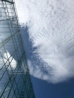 フェンスから空の写真・画像素材[2180349]