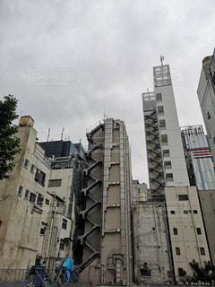 ビルの側面の写真・画像素材[2244360]