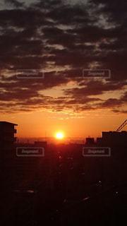沈む太陽の写真・画像素材[2253326]