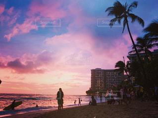 夕暮れビーチの写真・画像素材[2173121]