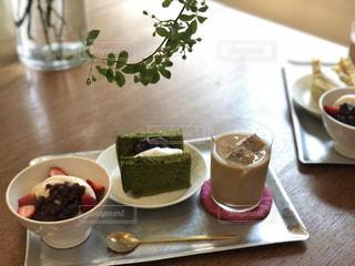 カフェでおいしいデザートの写真・画像素材[2174175]