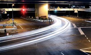 夜のハイウェイの写真・画像素材[2173360]