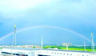 田舎の虹の写真・画像素材[2173703]