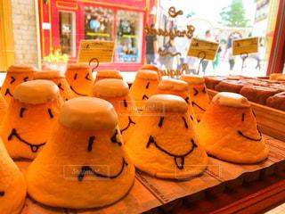 店内に陳列されてるパンの写真・画像素材[2212226]