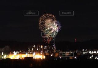 夜空の花火の写真・画像素材[2338063]