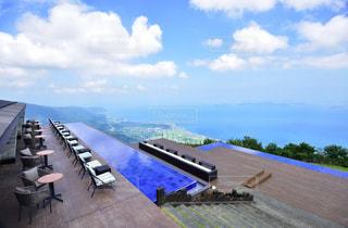湖が見える景色の写真・画像素材[2341892]