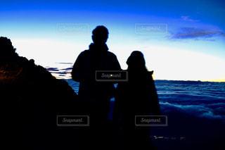 夫婦登山の写真・画像素材[2493982]
