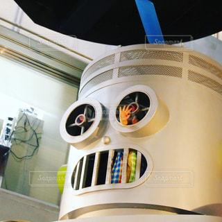 ロボットに登るこどもの写真・画像素材[2715926]