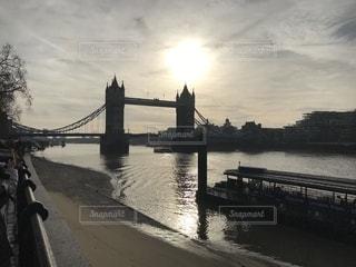 夕方のタワーブリッジの写真・画像素材[2180008]