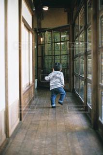 廊下の写真・画像素材[2227750]