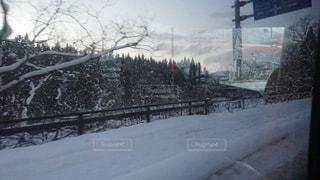 雪に覆われた通りの写真・画像素材[2181635]