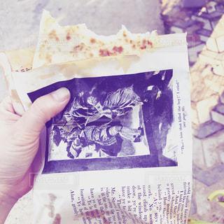 小説本から作った包み紙の写真・画像素材[2184087]