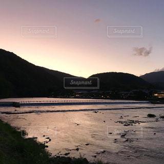 嵐山の夕暮れ 夏の終わりの写真・画像素材[2495981]