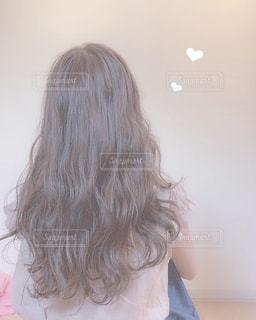 髪の長い女性の写真・画像素材[2250226]
