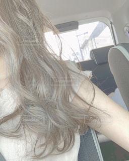 髪の長い女性の写真・画像素材[2250241]