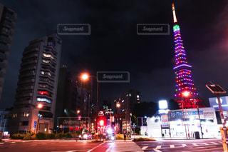 東京タワーと交差点の写真・画像素材[3270760]