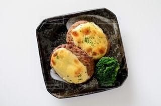 チーズハンバーグの写真・画像素材[2758706]