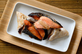 鮭のカマ焼きの写真・画像素材[3174334]