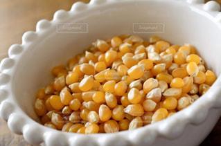 ポップコーン原料豆の写真・画像素材[3233753]