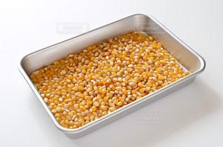 ポップコーン原料豆の写真・画像素材[3233754]
