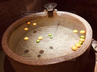 柚子とみかんの貸切露天風呂の写真・画像素材[2282665]
