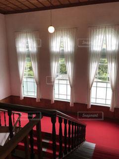赤絨毯が似合う家の写真・画像素材[2192841]