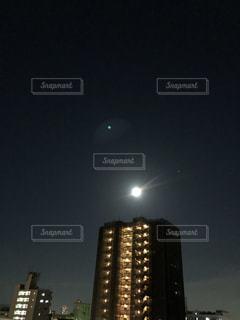 夜に時計塔が点灯するの写真・画像素材[2225991]