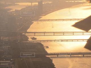 日没時の街の眺めの写真・画像素材[2306687]